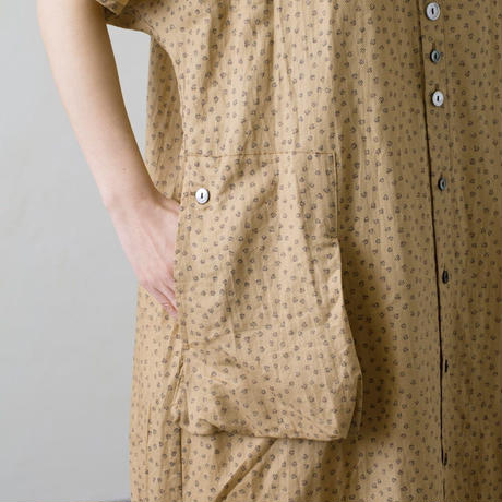 Vlas Blomme(ヴラスブラム) Light Cotton Ramie Elder Flower Print アシンメトリーポケット前開きワンピース