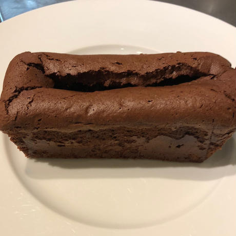 洋梨のガナッシュ入りチョコレートケーキ(1本/約260g)