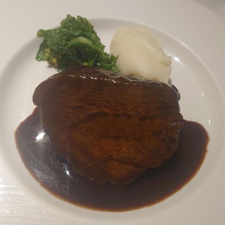 牛ほぼ肉の赤ワイン煮込み  1パック肉約150g入り