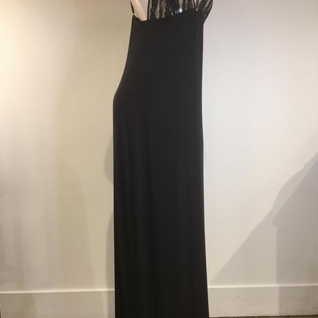 リトラッティ サイドレースが美しく魅了するロングドレス