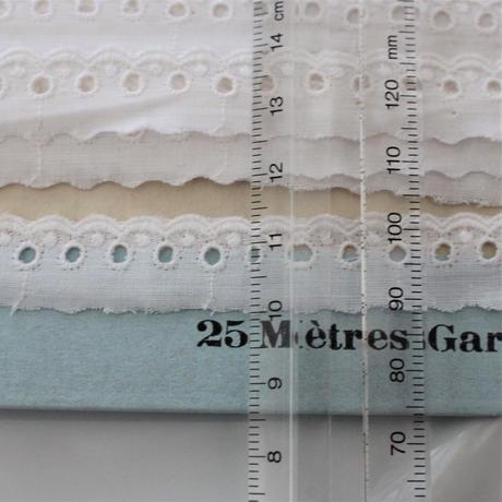 フランス製 古いコットンレース台紙付き 3m73㎝  幅1.4cm