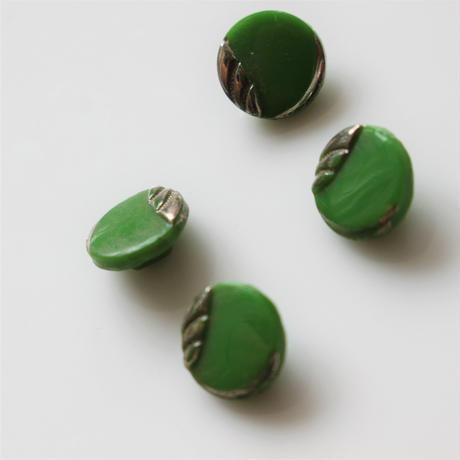 【ボタンセット】緑のガラスボタン5個セット フランスヴィンテージ
