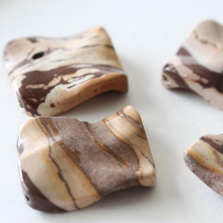 天然石ビーズ(ブラジリアンジャスパー)長方形3㎝  フランス 直輸入