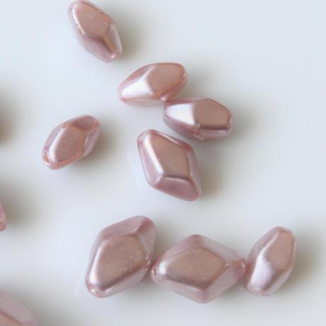 70sチェコガラスビーズ ダイヤ型(スモーキーローズ)1袋  252
