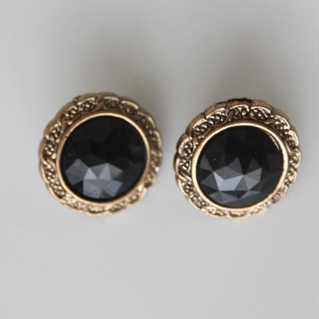 フランス製  金縁フレーム黒ビジューのイヤリング〈フランス1980年代デッドストック〉