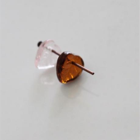 【ビーズセット】ガラスのリーフビーズ4個(ピンク)フランス437