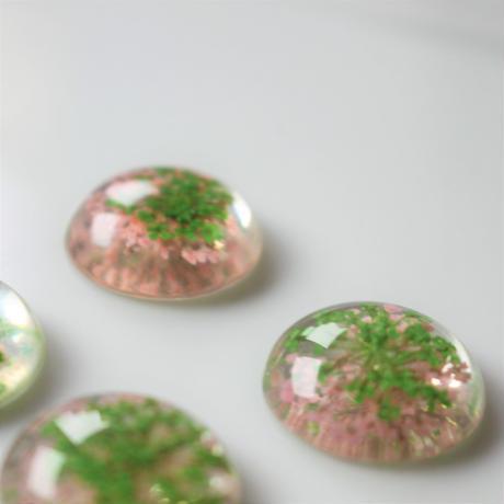 フランス花カボション1.9㎝ pink×greenアクリルフラワーパーツ