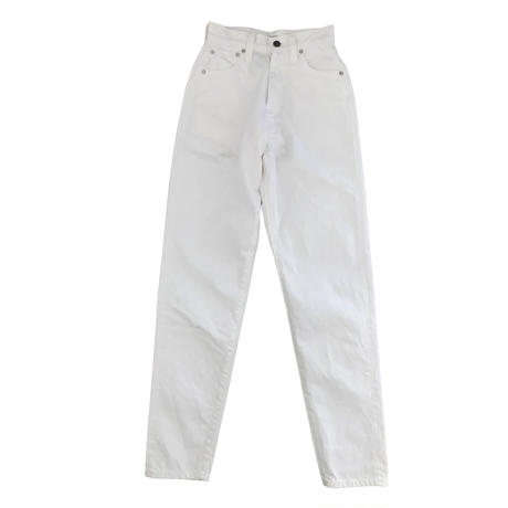"""LUCY"" HIGH WAIST TAPERED JEANS -WHITE-"