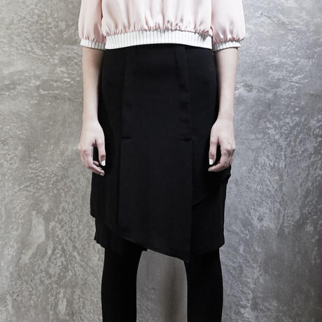 ASYMMETRICAL SHORT TROUSERS