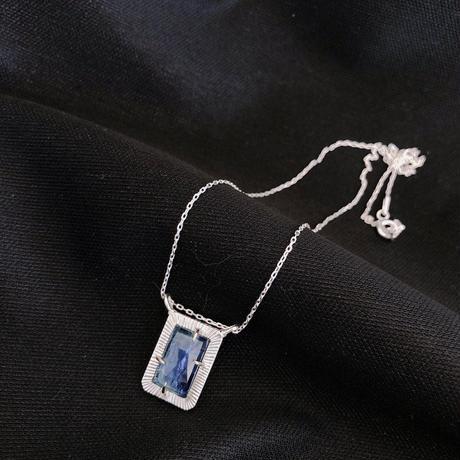 ローズカット煌めきカイヤナイト 10K&SVネックレス