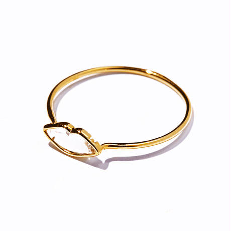 petite lip ring/yellow gold