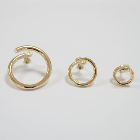 middle  circle earring (gold )