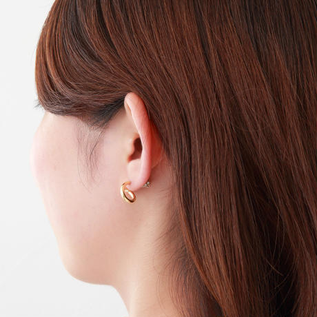 Gold line pierce(8㎜ line/Vertical type/swarovski elements/Gold catch)