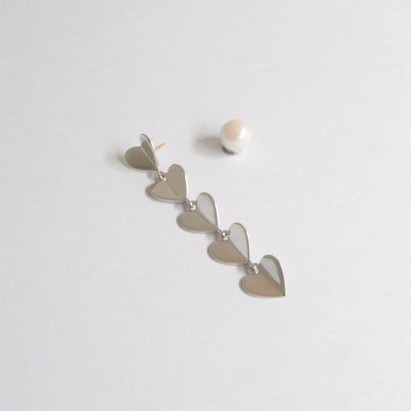 5 hearts pierce (silver / pearl clasp)