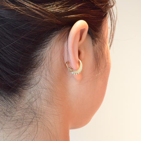 Swarovski element earring (gold / silver shade / 18mm)