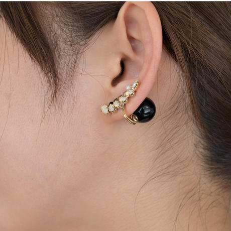 bijoux 11 crystals earring (White , multi color Mix) , Black catch