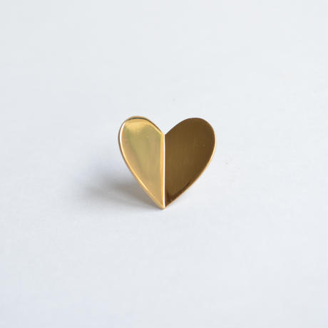 Middle heart pierce (gold / pearl clasp)