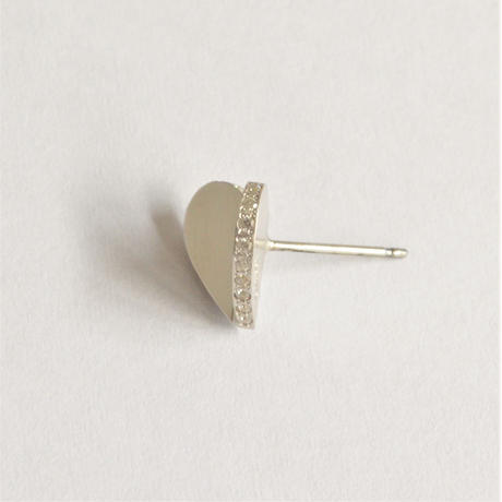 Tiny heart line stone pierce (silver / cubic zirconia / shine silver tube clasp)