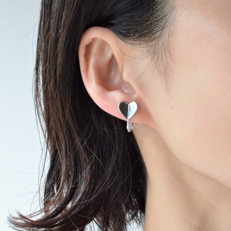 Tiny heart earring (silver)
