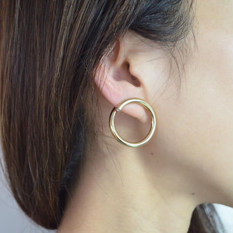 big circle pierce (gold)