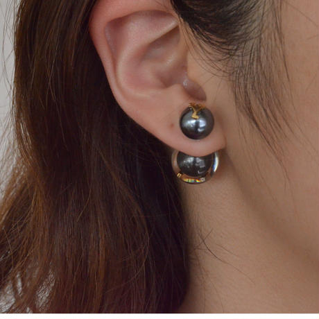 "Initial pierce black ""Y"""
