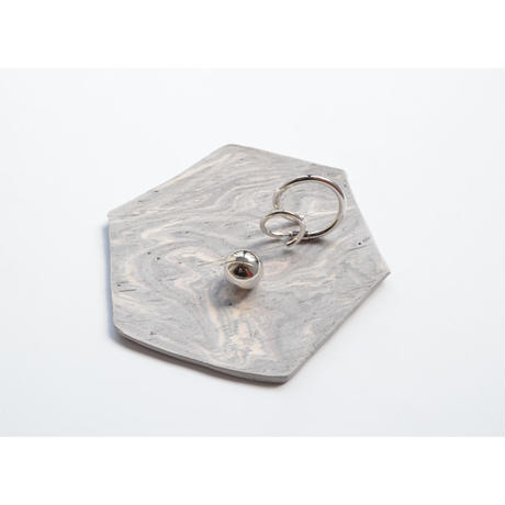 MAYU 15 TH Anniversary × Akiko Kizu  【Jewelry tray (hexagon / gray / white)】