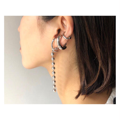 Voluminous silver line earring