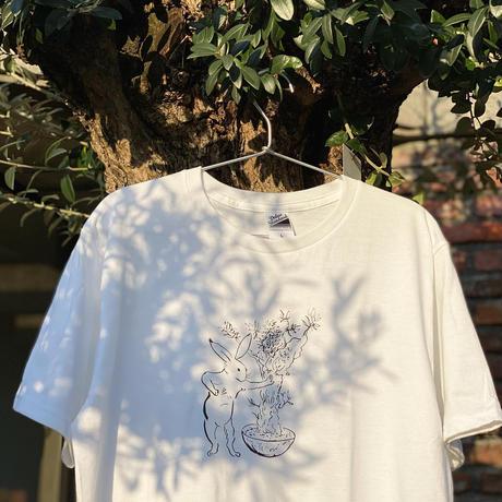 ウサギとオリーブTシャツ