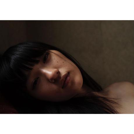 兎丸愛美×笠井爾示写真集『羊水にみる光』