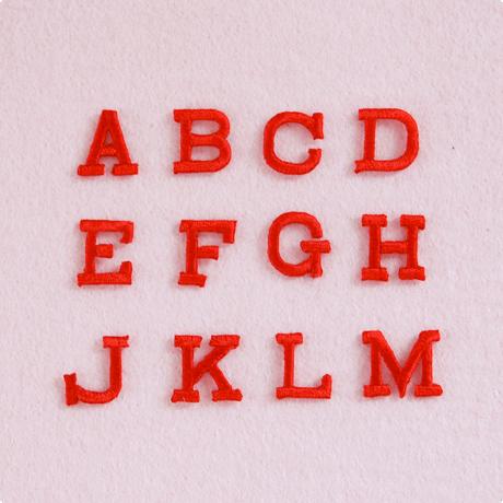アルファベットワッペン(ブロック体S) / レッド