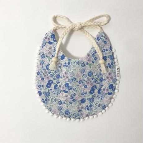 flower & lace bib