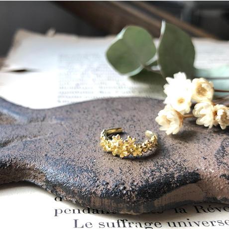 小花のイヤーカフ*