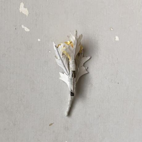 [季節のお花ブローチ]8月:シロタエギク