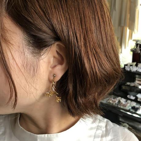 [9月誕生花×誕生石]ダイモンジ草のイヤリング*Gold