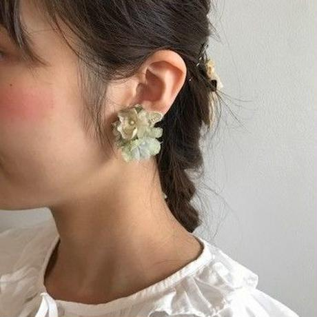 木の実レースとお花のピアス/イヤリング