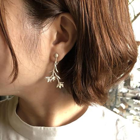 [9月誕生花×誕生石]ダイモンジ草のイヤリング*Silver