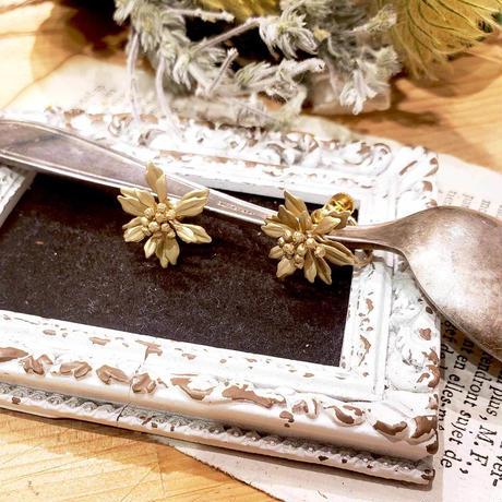 [12月誕生花×誕生石]イソギクのピアス*Gold/Silver