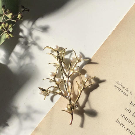 枝とパールの実ブローチ* Gold