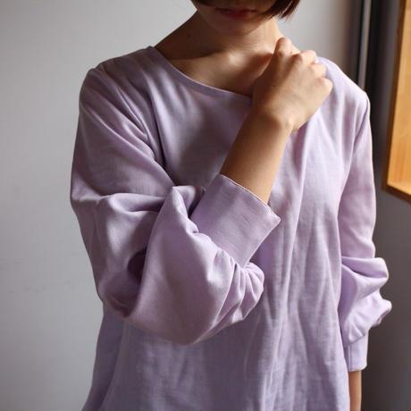 【ダブルガーゼブラウス】ふんわりコットンダブルガーゼで魅せる、シンプルなカフス付きフレアブラウス(モーブパープル)