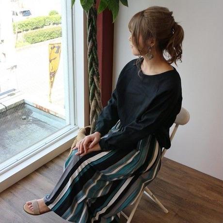 【全5色】ゆるふわダブルガーゼで魅せる、シンプルなカフス仕様のプルオーバーブラウス(ブラック)