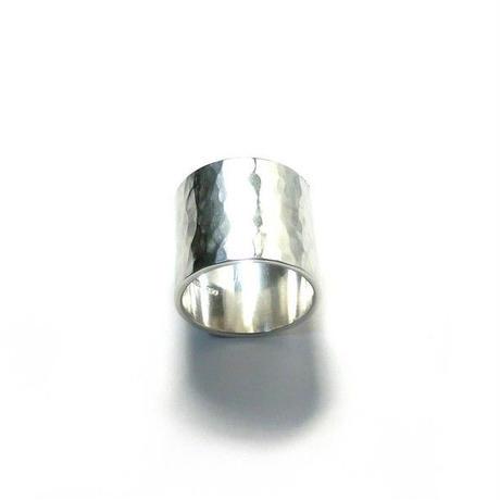 大ぶり 槌目 シルバーリング 20mm幅