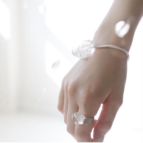 moment  drop bangle
