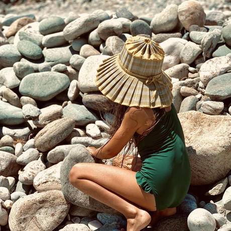 LORNA MURRAY // Swanbourne Beach・Capri Child
