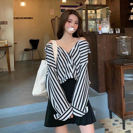 ストライプ柄 シャツ ブラウス オフショルダー 長袖 韓国ファッション レディース 折り襟 ルーズ かわいい ガーリー (DTC-624283952292)