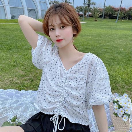 花柄 プルロープ ブラウス Vネック パフ袖 半袖 ショート丈 へそ出し 韓国ファッション レディース トップス 薄手 大人可愛い ガーリー フェミニン DTC-641466453302
