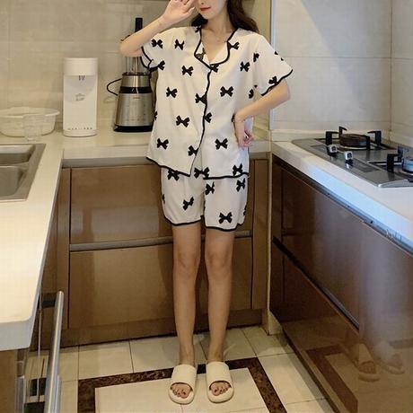 ルームウェア セットアップ リボン柄 トップス + ショートパンツ ウエストゴム 韓国ファッション レディース パジャマ 上下セット 部屋着 ガーリー フェミニン DTC-645023297888