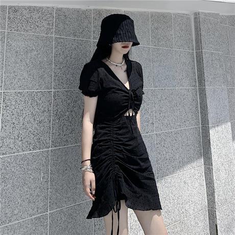ドット柄 ワンピース 絞り上げ ショート丈 韓国ファッション レディース Vネック ギャザー パフ袖 ハイウエスト ブラック 黒 大人可愛い ガーリー DTC-620250212861