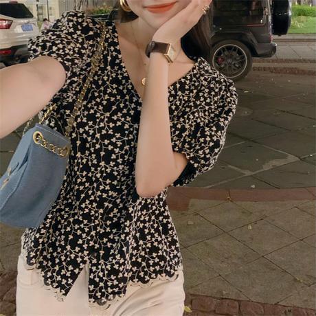 花柄 ブラウス Vネック パフ袖 半袖 薄手 ショート丈 韓国ファッション レディース トップス クロップド丈 大人可愛い ガーリー フェミニン DTC-650805314678