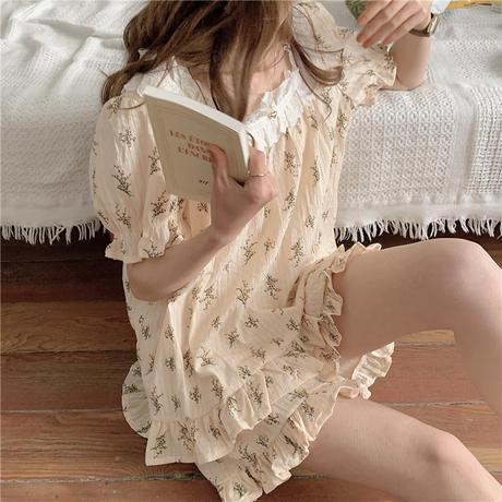 ルームウェア パジャマ セットアップ  フリル 小花柄 スクエアネック 韓国ファッション レディース 上下セット 部屋着 可愛い ガーリー フェミニン DTC-642547726003