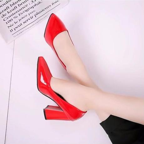 パテントレザー パンプス チャンキーヒール 9cm 韓国ファッション レディース シンプル ポインテッドトゥ ローヒール シューズ キュート 痛くない かわいい 歩きやすい 563485182951